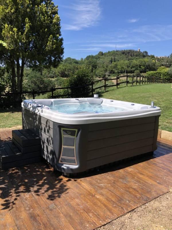 Nuova vasca posizionata Wellisitalia